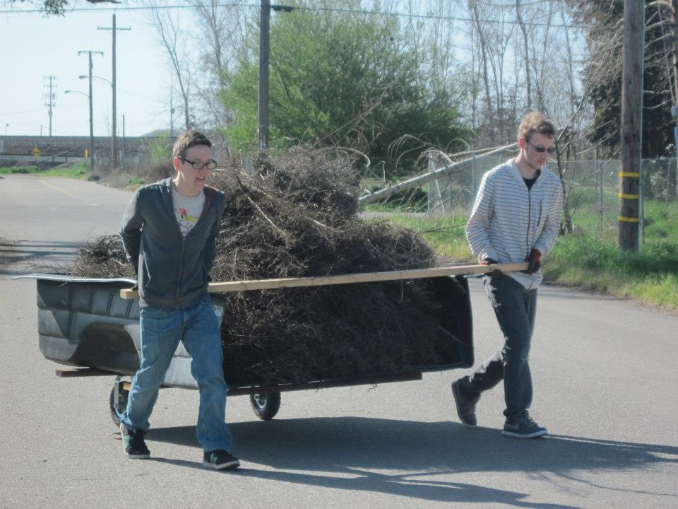 The tumbleweed trolley in action!